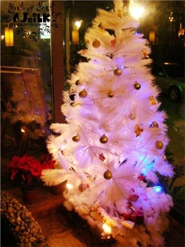 白色聖誕樹